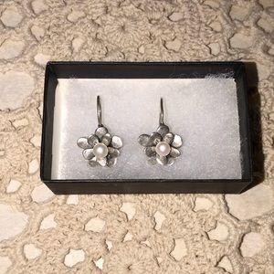 Silpada flower earrings